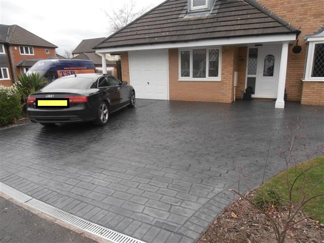 London Cobble in classic grey- Click to enlarge